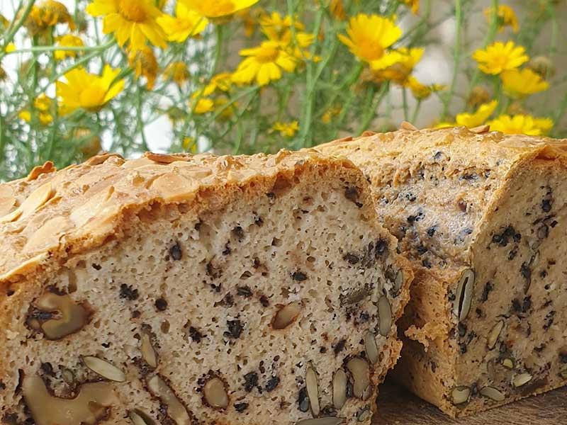 לחם שקדים